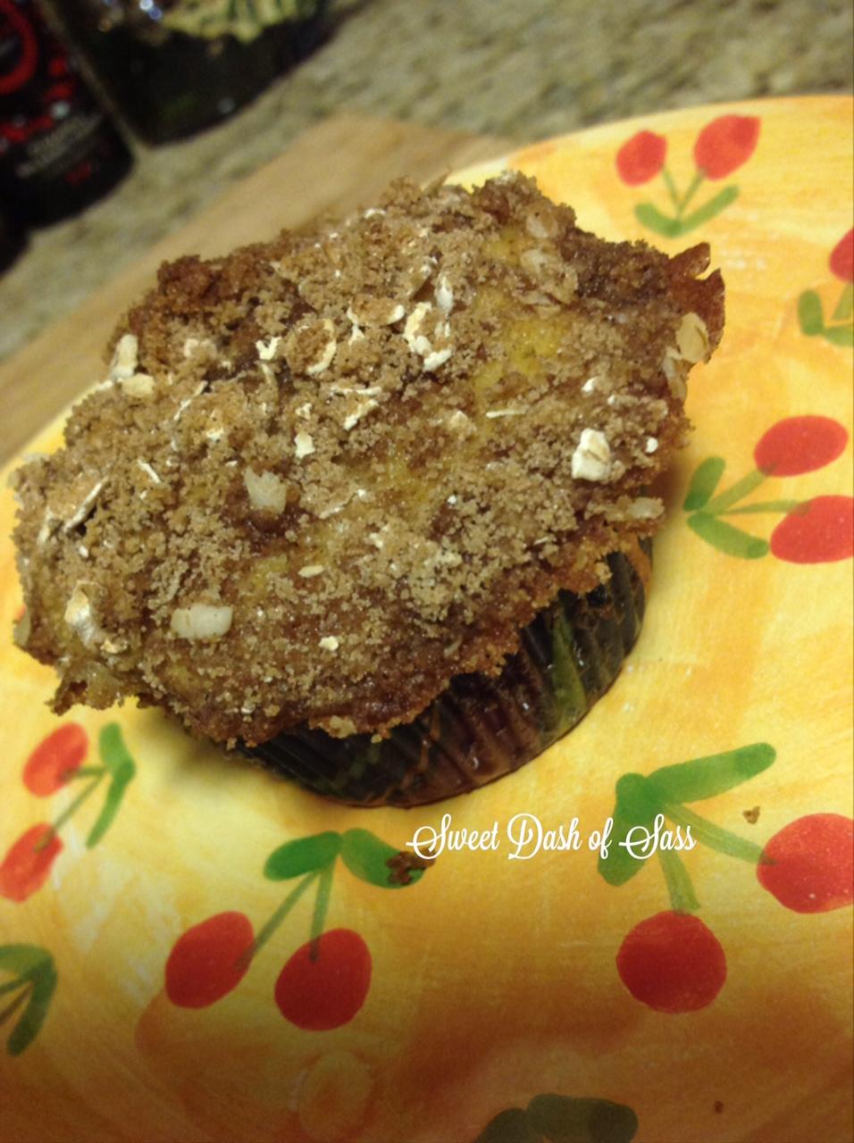 Pumpkin-Banana Streusel Muffins - www.SweetDashofSass.com