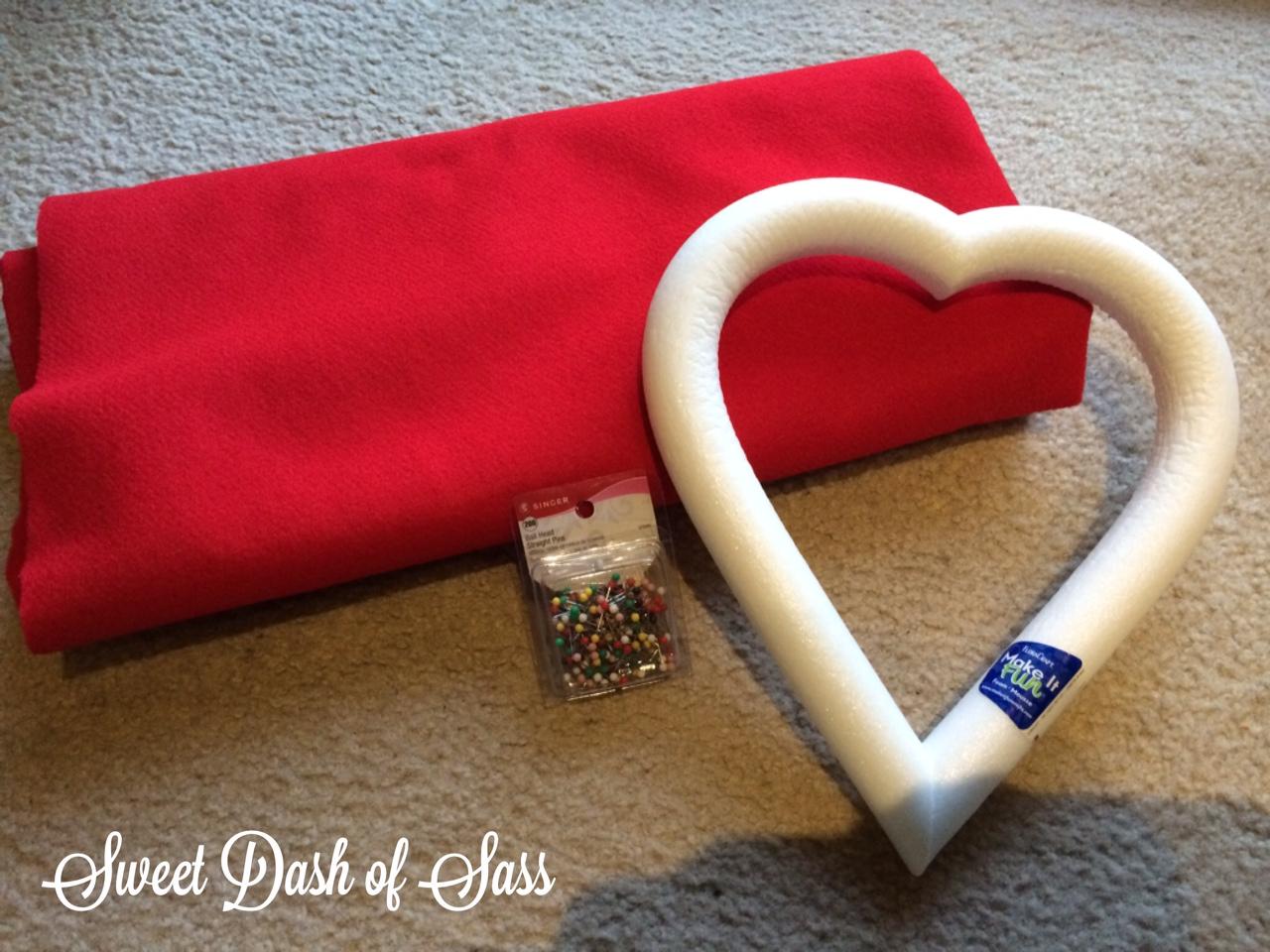 Heart Wreath - .SweetDashofSass.com & Heart Door Wreath