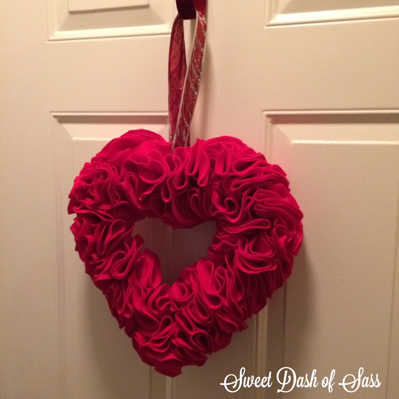 Heart Wreath - www.SweetDashofSass.com