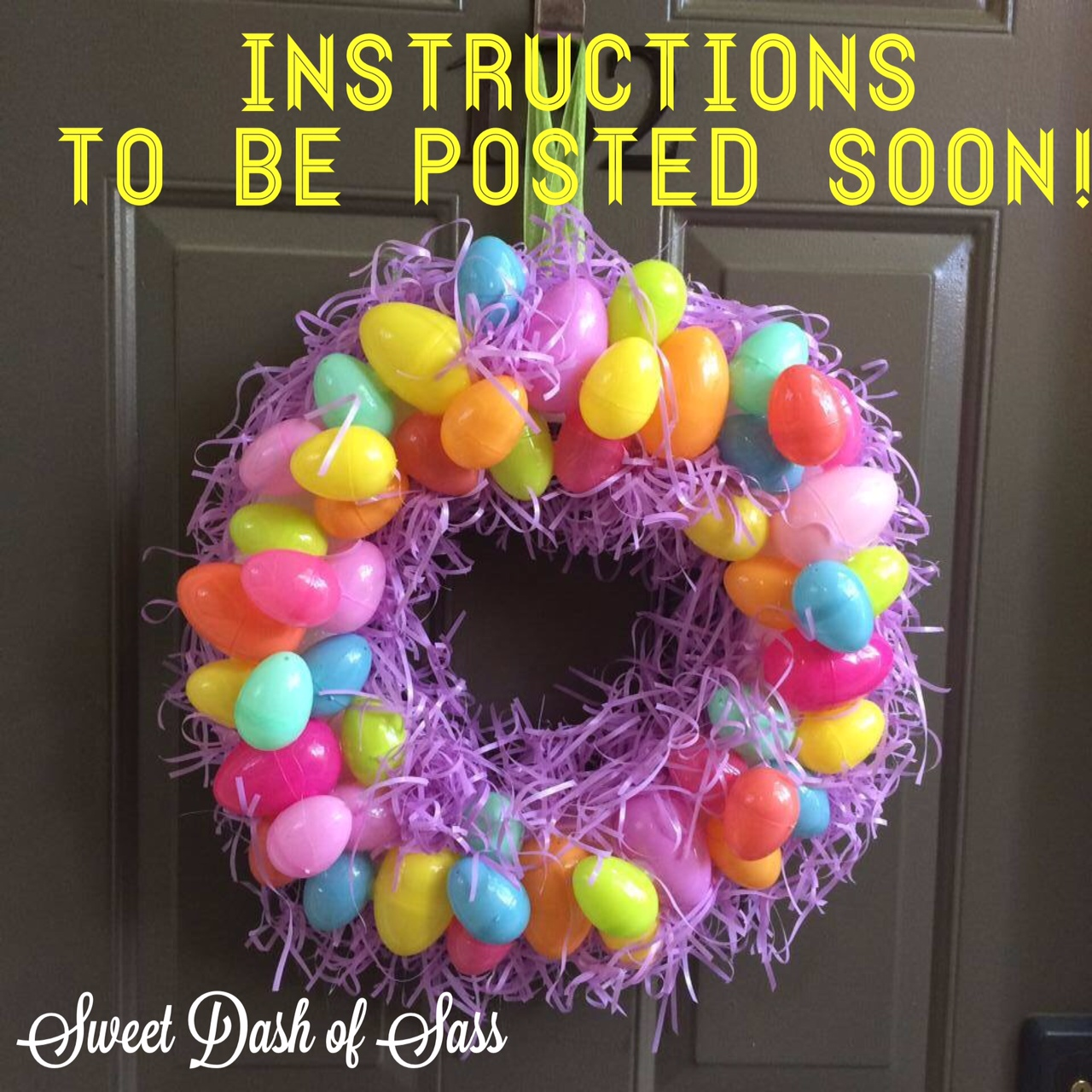 Easter Door Wreath - www.SweetDashofSass.com