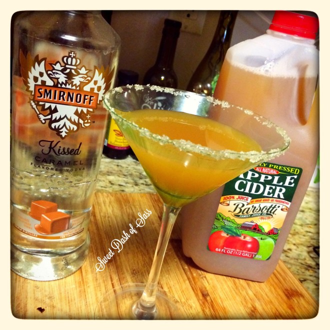 Carm-Apple Martini - Perfect cocktail for this Fall.  Don't even realize there is alcohol in this!  www.SweetDashofSass.com